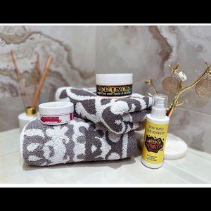📍SALE📍Anti cellulite/stretch marks /moisturizer